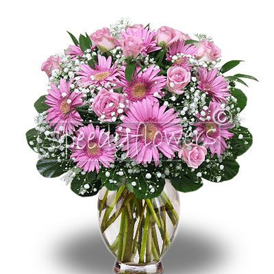 Beautiful bouquet of pink gerberas and roses to be sent wherever you are in Italy or the world.