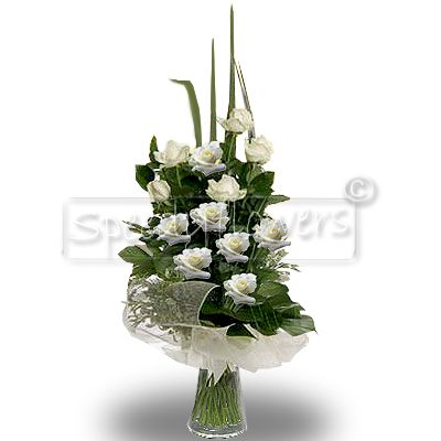 Bunch of twelve white Roses for wedding