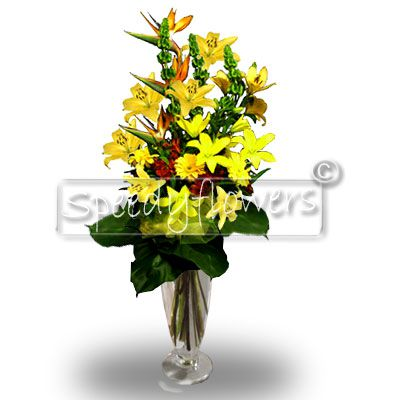 Elegant bunch of flowers with Sterlitzia
