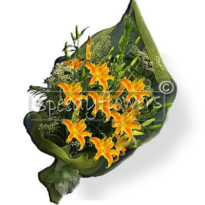 Bunch of orange oriental lilies, suitable for thanking somebody