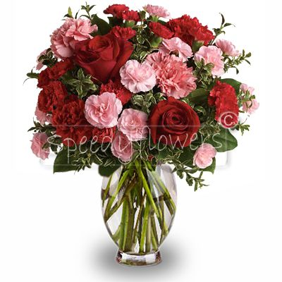 Amazing red roses and pink flowers bouquet