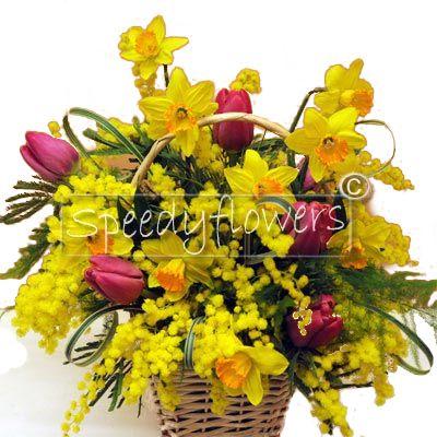 Puoi spedire profumi ed emozioni con questo cesto fiorito di mimosa