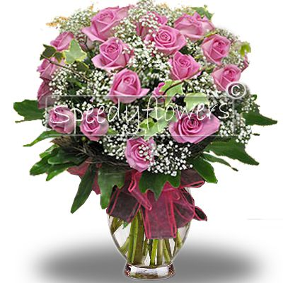 Choose this elegant bouquet of roses for the Mother's Day.
