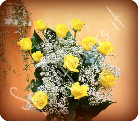Eleven nicest yellow roses that you can send around the world